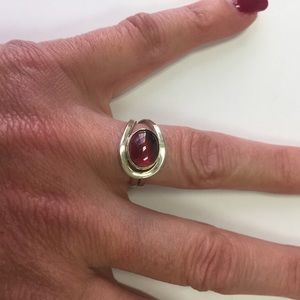 Jewelry - RING 925 STERLING PRETTY RED STONE